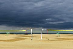_M_ (Blende1.8) Tags: beach dramaticsky dramatischerhimmel wetter weather strand westvlaanderen vlaanderen westflandern flandern flanders belgium belgien nordsee northsea nopeople humanless menschenleer iphone iphone8plus