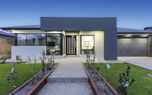 3 Middle Wy, Mickleham VIC 3064