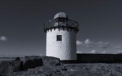 1 Nov 2018-84-Edit-Edit.jpg (wraithid) Tags: lighthouse sun sea clouds burryport