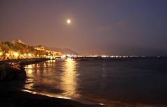 Mare Luna (Meteoraaaa) Tags: mare lungomare luna sera salerno riflessi
