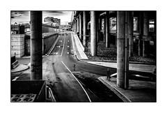 Ailleurs... (francis_bellin) Tags: 2018 voyage route blackandwhite monochrome street homme photoderue noiretblanc fevrier solitude streetphoto