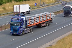 FX14 CVB (Martin's Online Photography) Tags: scania r580 v8 truck wagon lorry vehicle freight haulage commercial transport a1m northyorkshire nikon nikond7200 flatbed