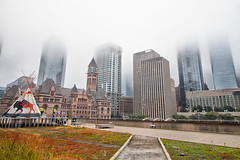 (A Great Capture) Tags: cityscape urbanscape eos digital dslr lens canon 70d urbannature sky himmel ciel mis mist fog agreatcapture agc wwwagreatcapturecom adjm ash2276 ashleylduffus ald mobilejay jamesmitchell toronto on ontario canada canadian photographer northamerica torontoexplore fall autumn automne herbst autunno 2018 outdoor outdoors outside architecture architektur arquitectura design tipi teepee oldcityhall newcityhall depthoffield dof efs1018mm 10mm wideangle city downtown lights urban