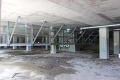 Abandoned carpark at Carindale Shopping Centre, Brisbane (philip.mallis) Tags: brisbane carindale carindaleshoppingcentre shoppingcentre carpark abandoned