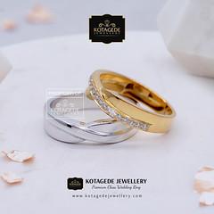 Cincin Kawin Surabaya (cincinkawin.palladiumemas) Tags: weddingring wedding jewellery j jewelry jewelleryonline jewelleryshop jualcincinpalladium jewellerystore jewellerydesign cincinkawin cincinnikah cincinpalladium couplering ring