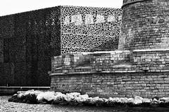 la pierre et le métal (vicouvicou) Tags: mucem marseille architecture noir et blanc