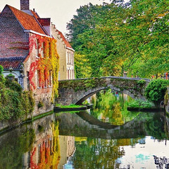 ~ the other side of the bridge ~ Brugge Belgium (Tankartartid) Tags: höstfärger höst autumncolours autumn gammalstad oldcity gammal old stonebridge stenbro bro bridge colours colourful färggrann träd tree trees house buildings building hus reflektion reflection reflections canal kanal vatten water stad city europe belgium brugge