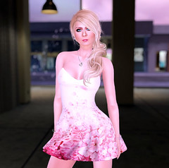 Fellini Couture again (karenpiper_uk) Tags: freebie fellinicouture groupgift fashion dress white floral pink blonde secondlife