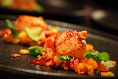 Seared scallops with bacon and mango salsa. (corineouellet) Tags: plating cook cooking pétoncles mango bacon salsa tasty yummy foodphoto canoncanada canonphoto canon foodies foodie food seafood scallops
