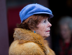 815A8327 Woman in the Blue Hat (hobbitcamera) Tags: 2018victorianchristmas victorianchristmas nevadacityvictorianchristmas nevadacityvictorianchristmas2018 nevadacity nevadacitycalifornia thomasathompsonphotography thomasathompsonstreetphotography streetsofnevadacity bluehat furcoat