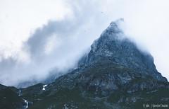 Montagne (Quentin Douchet) Tags: alpes alpesfrançaises alps auvergnerhônealpes france frenchalps nature savoie savoy cloud landscape montagne mountain nuage paysage sommet summit