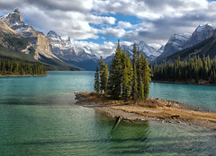 Heavenly (Philip Kuntz) Tags: spiritisland malignelake canadianrockies glacialwaters malignelakecruise jasper jaspernationalpark alberta canada mtpaul monkheadmountain