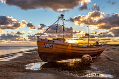'Golden Wake' at golden sundown (babs pix) Tags: golden sunsetsea sunset aberdyfigwynedd westwales wales snowdonia snowdoniamountainsandcoast beach aberdovey aberdoveyharbour boats fishingboat cardiganbay dyfiestuary reflections clouds sky