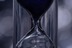 The river of time - Der Fluß der Zeit (HMM !) (ralfkai41) Tags: monochrom makro hourglass sand macro macromondays sanduhr measurement time sandglass mesinstrumente zeit watch uhr