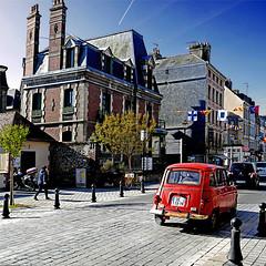 Renault 4 - Honfleur, France (pom'.) Tags: panasonicdmctz101 may 2018 normandie normandy france europeanunion honfleur sky lisieux honfleurdeauville paysdehonfleurbeuzeville car red renault4 renault 4l 100 200 14 300 5000
