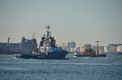 Fairplay 24 en RPA 11 (Hugo Sluimer) Tags: hetscheur scheur waterweg portofrotterdam port haven onzehaven nlrtm zuidholland holland nederland