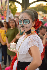 Ready to start the dance (radargeek) Tags: dayofthedead 2017 october oklahomacity plazadistrict okc oklahoma dance everythinggoesdancestudio catrina portrait facepaint dancing