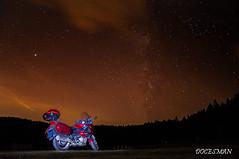 Honda Deauville bajo las estrellas (DOCESMAN) Tags: moto bike motorcycle honda deauville nt700v estrellas stars cielo sky noche night photo paisaje landscape vialactea milkyway motor motorrad motorcykel moottoripyörä motorkerékpár motocykel mototsikl ntv700 docesman danidoces nocturna largaexposicion