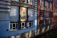 Logo Heinrich Hohnholt Fahrradgeschäft von 1929 (RadarO´Reilly) Tags: heinrichhohnholt michaelisbrücke fleetinsel bleichenfleet hamburg germany gebäude building architecture architektur logo