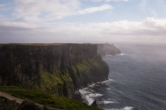Ireland (Valhell) Tags: irlanda ireland cliff cliffsofmoher moher coclaire claire rainy cloudy foggy wawes atlantic ocean wildatlanticway scoglieredimoher scogliera