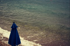 Movie Nights : Mary Poppins (Storyteller.....) Tags: movie nights may poppins beach sea umbrella blue waves
