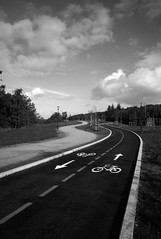 Dw Wk36 - Vision - Ordinary - Bikelanes (Stu-In-Norway) Tags: norge norway stavanger rogaland cycling cycle cyclelane stuinnorway dogwood52 dogwood2018 dogwoodweek36 ordinary