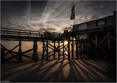 54° Nord - Abendstimmung (geka_photo) Tags: gekaphoto stpeterording schleswigholstein deutschland strand pfahlbauten sonnenuntergang schatten nordsee