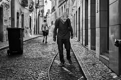 Lissabon Gente de Lisboa 135 bw (rainerneumann831) Tags: bw blackwhite street streetscene ©rainerneumann urban monochrome candid city streetphotography blackandwhite mann lisboa lissabon gentedelisboa