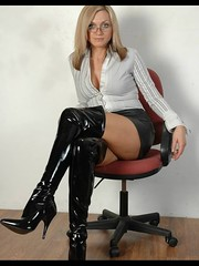 4C27A233-93F3-44C0-93D3-5440ECA8D0C3 (devdas5z1) Tags: black latex boots