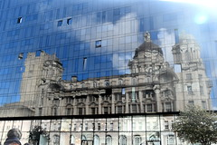 Reflection of THe Cunard Building, Liverpool (Manoo Mistry) Tags: nikon nikond5500 tamron tamron18270mmzoomlens liverpool merseyside northwest sky reflection