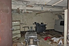 Abandoned Hospital Equipment. More at: http://www.placesthatwere.com/2018/09/abandoned-riverside-hospital-toledo-ohio.html #abandoned #hospital #abandonedhospital #emergencyroom #toledo #ohio #abandonedplaces #abandonedbuilding #urbex #urbanexploration #a (placesthatwere) Tags: abandoned places urban exploration urbex forgotten decay buildings building creepy eerie america that were