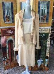 IMG_E3540 (jy.estate) Tags: forsale onsale vintage retro clothing ladies 1980s 1970s 1960s 60s 70s 80s designer wool stjohn stjohnknits stjohnknitwear knitwear cream beige tan white ivory fur furtrimmed sweater jacket cardican blazer twopiecesuit