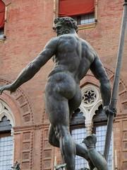 """""""Neptune"""", Giambologna, piazza del Nettuno, Bologne, Emilie-Romagne, Italie. (byb64) Tags: bologne bologna bolonia emilieromagne emiliaromagna emilia emilie italie italy italia italien europe eu europa ue ville citta ciudad city town piazzadelnettuno nettuno giambologna renaissance rinascimento renacimiento xvie 16th statue escultura estuaire fontaine fontana fountain neptune neptun bronze fontanadelnettuno"""