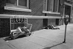 Tenderloin, San Francisco 2016 (Dave Glass . foto) Tags: sanfrancisco street streetphotography tenderloin tenderloindistrict thetl povertyinamerica konicagenbakantoku kodaktmax400 35mmfilm 28mmlens bedroom