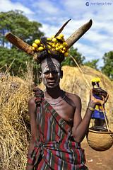 20180924 Etiopía-Jinka (23) R01 (Nikobo3) Tags: áfrica etiopía jinka etnias tribus people gentes portraits retratos culturas color travel viajes nikon nikond610 d610 nikon247028 nikobo joségarcíacobo social