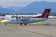 Air Tindi DeHavilland DHC-7-102 Dash 7 C-GFFL YVR 01-09-18 (Axel J. ✈ Aviation Photography) Tags: airtindi dehavilland dhc7 dash7 cgffl yvr vancouverinternationalairport luftfahrt fluggesellschaft flughafen flugplatz aircraft aeroplane aviation airline airport airfield 飞机 vliegtuig 飛機 飛行機 비행기 авиация самолет תְעוּפָה hàngkhông avion luchtvaart luchthaven avião aeropuerto aviación aviação aviones jet linienflugzeug vorfeld apron taxiway rollweg runway startbahn landebahn outdoor planespotter planespotting spotter spotting fracht freight cargo