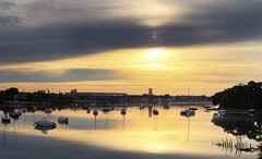 Au petit matin sur la base (Philippe RIquet) Tags: lorient la base sony rx100ii levé soleil solar sunrise rade nuages bateaux boats sea eau jaune bretagne breizh brittany bzh france french flickr
