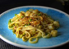 Italian Linguine with sweet Scallop, Pancetta, Peas in a White Wine & Chilli Dressing (Tony Worrall) Tags: add tag ©2018tonyworrall images photos photograff things uk england food foodie grub eat eaten taste tasty cook cooked iatethis foodporn foodpictures picturesoffood dish dishes menu plate plated made ingrediants nice flavour foodophile x yummy make tasted meal nutritional freshtaste foodstuff cuisine nourishment nutriments provisions ration refreshment store sustenance fare foodstuffs meals snacks bites chow cookery diet eatable forsale stock buy image foodphotography buynow sale sell pasta scallops seafood
