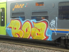 201 (en-ri) Tags: roa giallo rosso azurrro bianco train torino graffiti writing