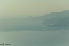 à l'heure du loup (Mireille Muggianu) Tags: bouchesdurhone cassis europe france provencealpescotedazur ciel mer minimal paysage samsungnx nx500
