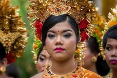 IMG_6688-tr (JLBenazra) Tags: bali cérémonie sawan indonésie costumes