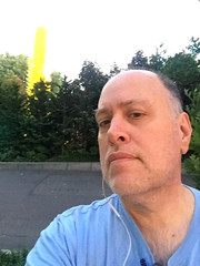 Day 2429: Day 239: Outside (knoopie) Tags: 2018 august iphone picturemail doug knoop knoopie me selfportrait 365days 365daysyear7 year7 365more day2429 day239 seattlecenter chihulygardenandglass
