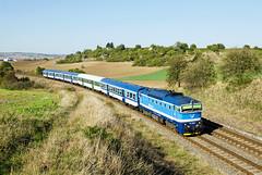 Pred zárezom (Nikis182) Tags: 754062 čd české dráhy brejlovec diesel locomotive train czech republic nikis182