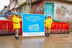 _MG_5650 (UNIDAD DE MANTENIMIENTO VIAL) Tags: lluvia carrera3econcalle40as41s sancristóbal lavictoria cambiodelosas obreros obrero 2018 octubre durante concreto mujer