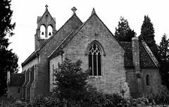 Eglwys y Drindod Santaidd / Holy Trinity Church - Hardwicke, (Rhisiart Hincks) Tags: gothicrevival nevezc'hotek athbheochanghotach adfywiadgothig victorian fictoraidd pensaernïaeth arkitektura architecture adeiladouriezh tisavouriezh ailtireachd ailtireacht pennserneth duagwyn gwennhadu dubhagusgeal blackandwhite bw zuribeltz blancetnoir blackwhite eglwys iliz eliza eaglais eglos church glèisa església église biserică chiesa iglesia kirche церковь 教堂 kirik गिरजाघर 教会 ažnyčia herefordshire swyddhenffordd lloegr powsows england sasana brosaoz ingalaterra angleterre inghilterra anglaterra 英国 angletèrra sasainn انجلتــرا anglie ngilandi ue eu ewrop europe eòrpa europa