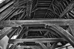 Looking up to the roof. (wimjee) Tags: nikond7200 nikon d7200 afsdx1680mmf284eedvr belgië silverefexpro2 blackwhite zwartwit monochrome niksoftware vleeshuis gent dak roof gebouw building