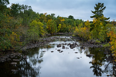 Kawashiwi River 20180920-DSC08929 (Rocks and Waters) Tags: kawashiwiriver minnesota zeiss a7r2 alpha fall fallcolors longexposure rocks rocksandwaters sonnartfe55 sony timeexposure trees water ely