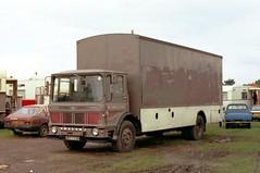 Leyland, URY 113H (ergomammoth) Tags: lorry lorries truck trucks hgv commercialvehicle boxvan showmanstransport leyland leylandsupercomet ergomatic tiltcab leylandmotorsltd britishleyland fairgroundtransport wjonesson amusements chrysleralpine chryslerukltd