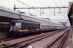 NS36 091085 (stevenjeremy25) Tags: sncb ns benelux electric rotterdam netherlands holland railways 2554