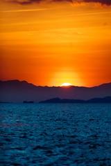 2018-10-08_Indonesien-197 (tiegelzangenbob) Tags: sunset komodonationalpark ocean see sonnenuntergang meer ozean sonyalpha6000bootfloresindonesienkomodolabuanbajomeersonnenuntergangwildlife